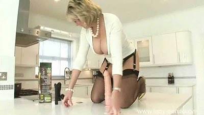 Lady Sonia - Stretch My MILF Pussy