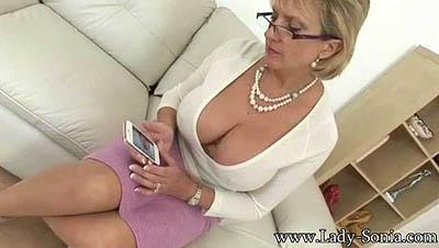 Lady Sonia - Busty MILF Flirt